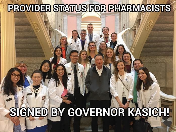 Governor John Kasich meets with pharmacy students